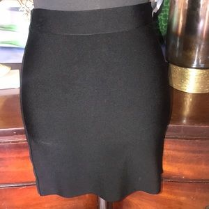 GUESS BY  MARCIANO BLACK MINI BANDAGE SKIRT